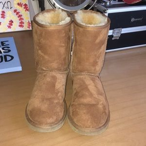 Classic brown ugg boot